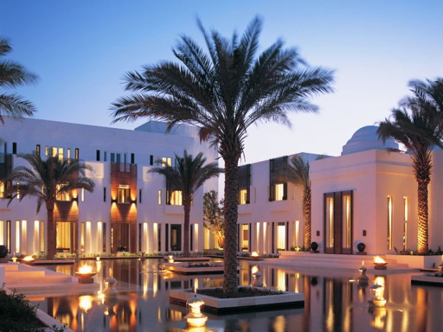 The chedi muscat oman reise cafe for Designhotel oman