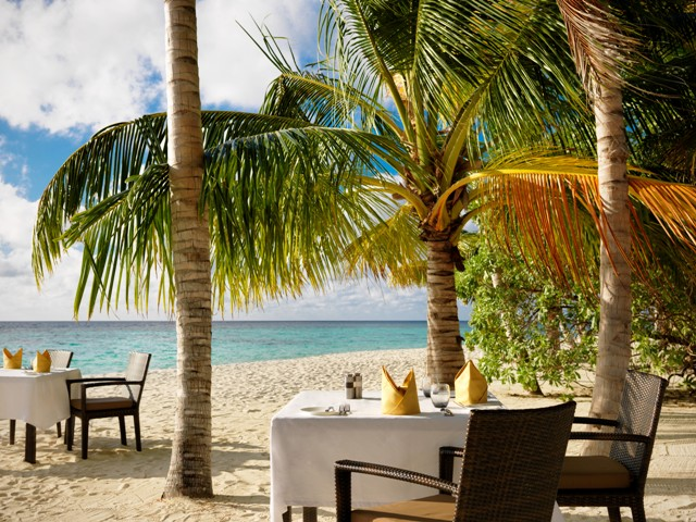 jumeirah dhevanafushi malediven reise cafe. Black Bedroom Furniture Sets. Home Design Ideas